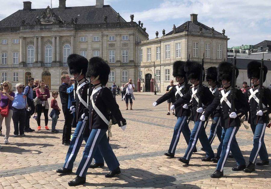 阿美琳堡宫换岗仪式
